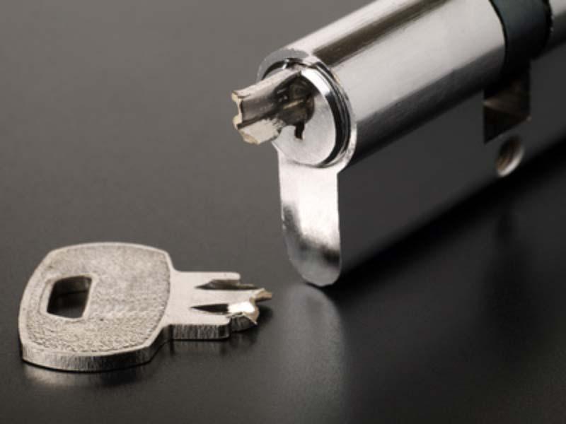 Broken Key Extraction Locksmith